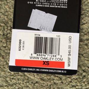 0aed35fca5641 Oakley Intimates   Sleepwear - Brand new never worn white black Oakley  sports bra